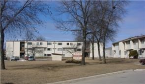 1411 & 1413 E. 16TH ST. 2 Beds Apartment for Rent Photo Gallery 1