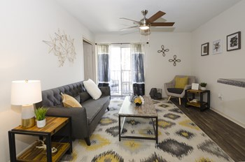 3525 Club Drive 1-2 Beds Apartment for Rent Photo Gallery 1