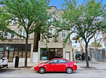 1056 N. Ashland Ave. 1-3 Beds Apartment for Rent Photo Gallery 1