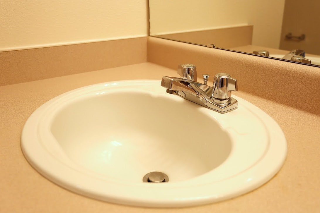 Bath Sink l Redwood Commons Apartments McMinnville, OR