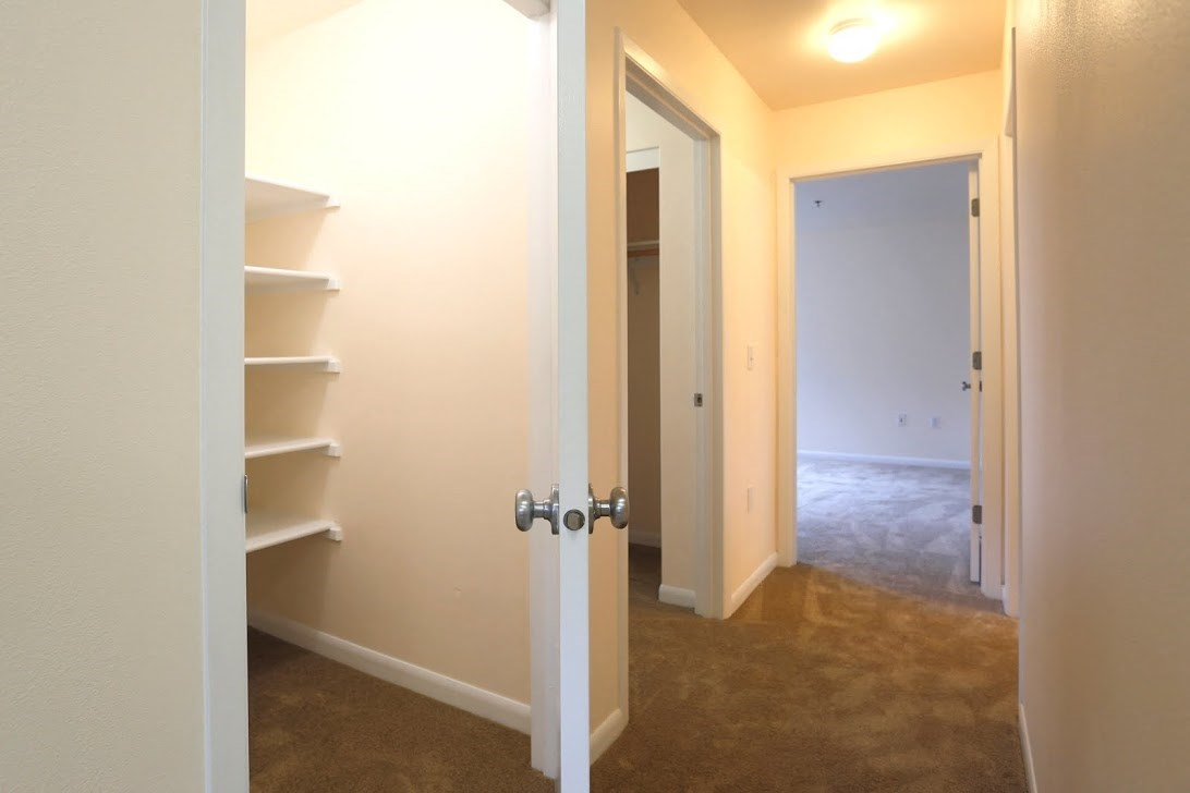 Closet Storage l Redwood Commons Apartments McMinnville, OR