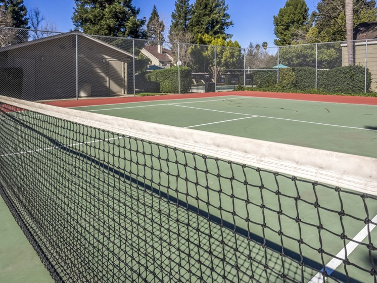 River Terrace Apartments | Tennis
