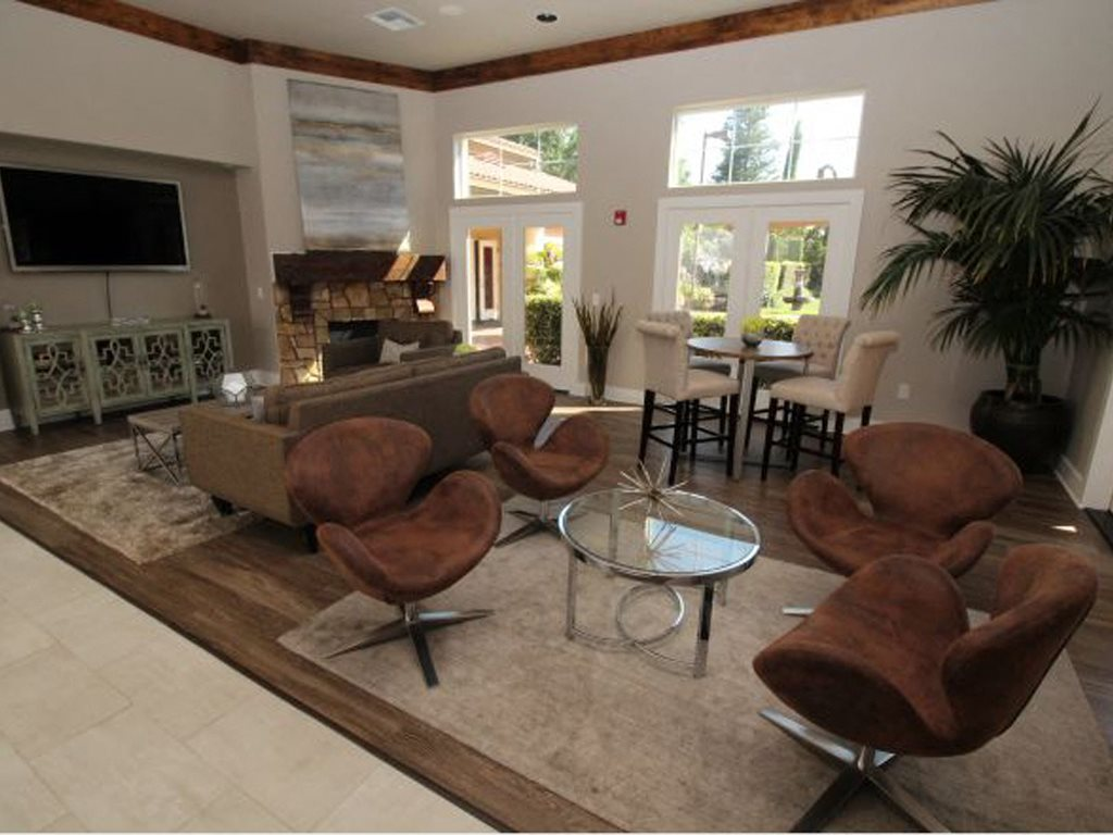 Photos and Video of Stonelake Apartments Homes in ELK GROVE, CA