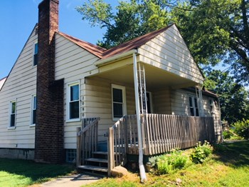1080 Meadowdale Ave 3 Beds House for Rent Photo Gallery 1