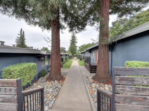 Sidewalk to apts l 1212 Bidwell Apartments in Folsom CA