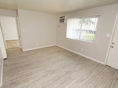 Living room  l 1212 Bidwell Apartments in Folsom CA