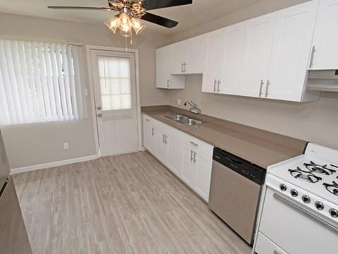 l 1212 Bidwell Apartments in Folsom CA