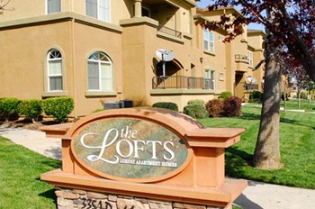 3351 Duckhorn Drive 1-2 Beds Apartment for Rent Photo Gallery 1