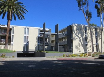 333 W. California Bl. 2 Beds Apartment for Rent Photo Gallery 1