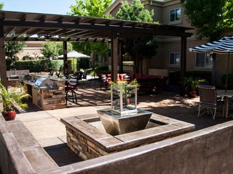 BBQ Area  l Vineyard Gate Apartments in Roseville CA