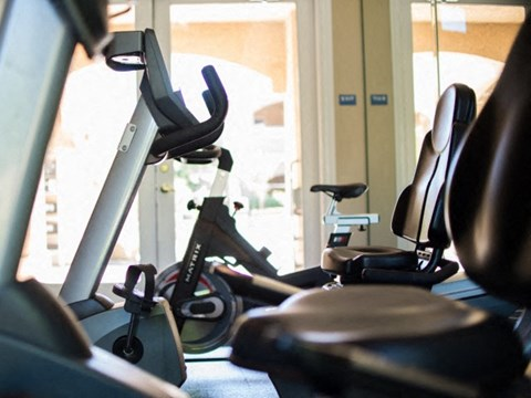 Fitness Center l Vineyard Gate Apartments in Roseville CA