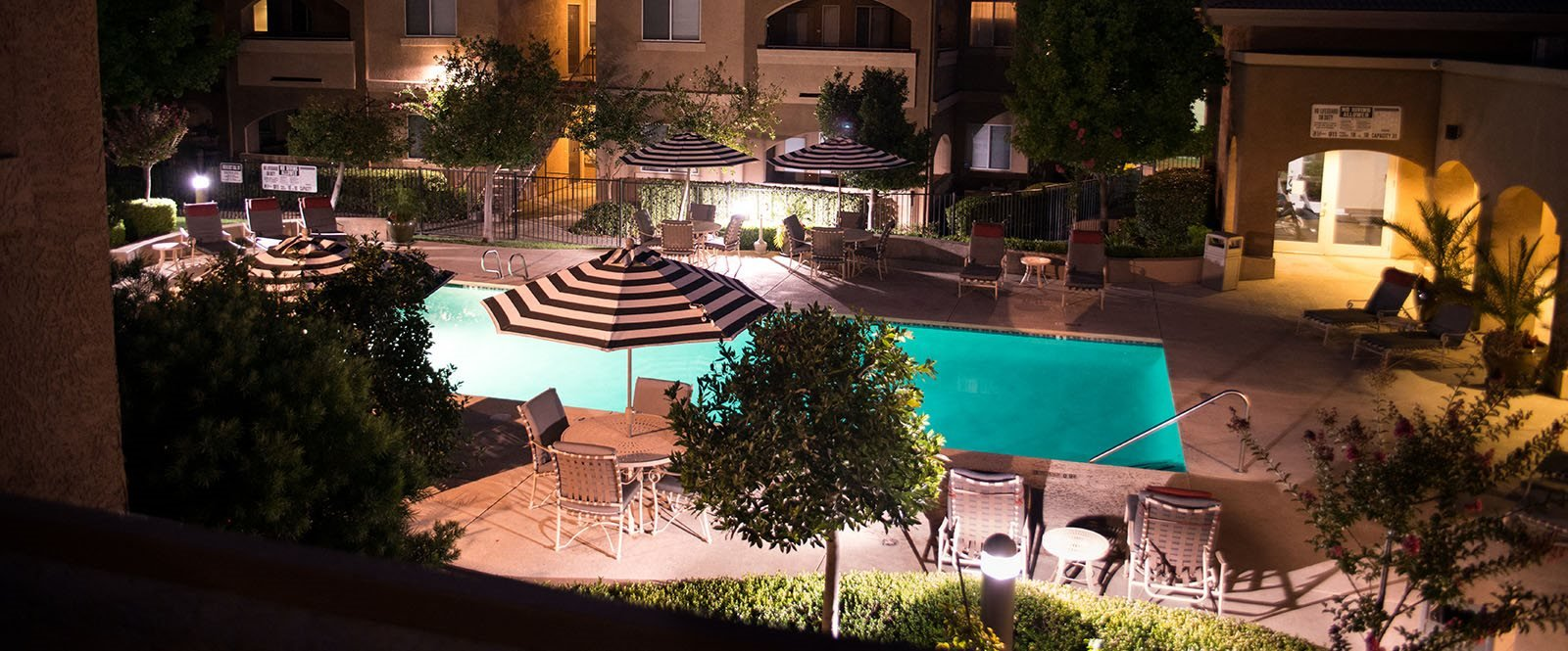 Pool, spa and lounge chairs  l  l Vineyard Gate Apartments in Roseville CA