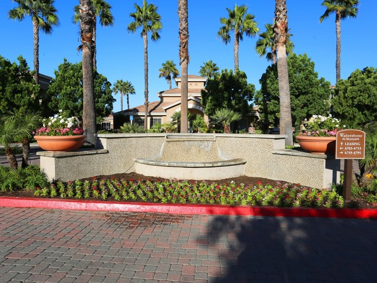 Fountain at Waterstone at Moorpark in Moorpark apts for rent