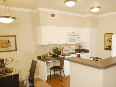 Kitchen l The Villas at Villaggio Apartments in Modesto CA