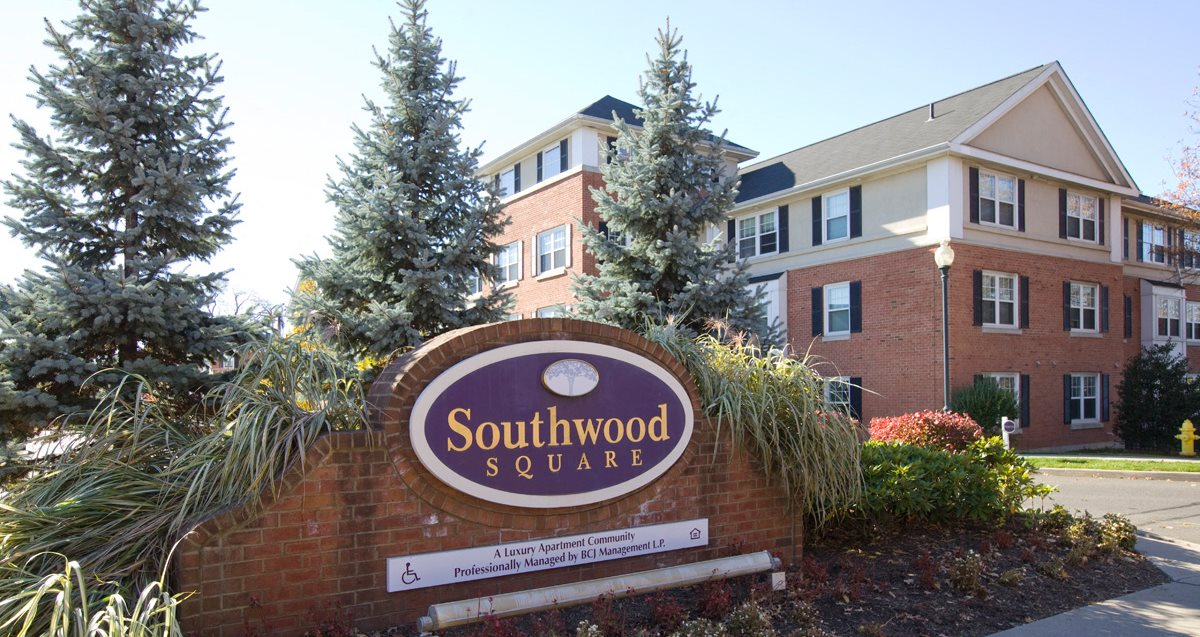 Southwood square apartments apartments in stamford ct for Southwood home