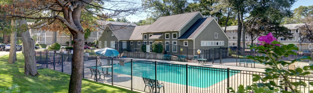 Apartments with pool, Brockton, MA