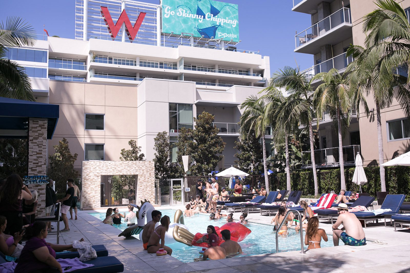 Lifestyle At 1600 Vine Apartment Homes Los Angeles 90028
