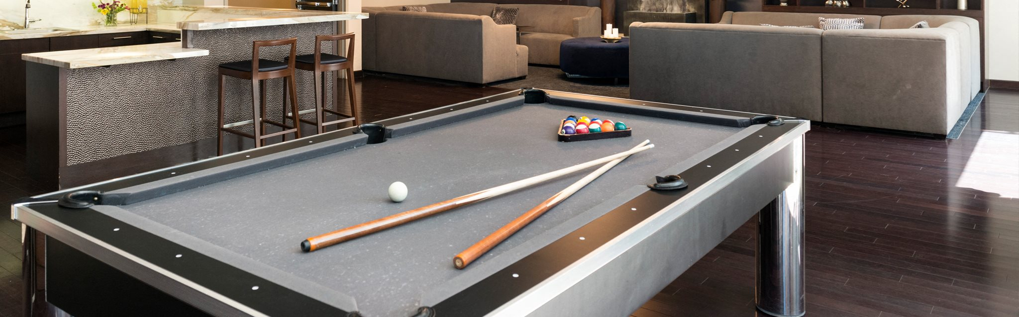 Clubhouse with Billiards at 1600 Vine Apartment Homes, Hollywood, California