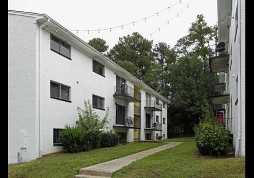 1808 Chapel Hill Road Community Thumbnail 1
