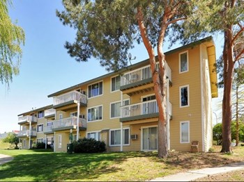 1555 NE Merman Drive 1 Bed Apartment for Rent Photo Gallery 1