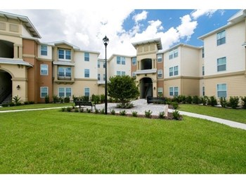 1001 Landstar Park Dr. 1-4 Beds Apartment for Rent Photo Gallery 1