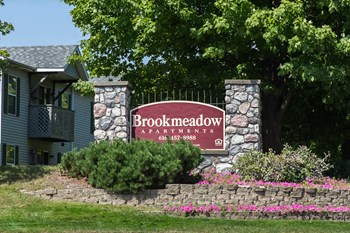 0-143 Brookmeadow N. Lane 1-2 Beds Apartment for Rent Photo Gallery 1