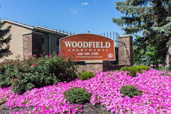 6111 Woodfield Drive SE 1 Bed Apartment for Rent Photo Gallery 1