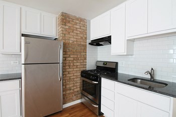 921-923 Garfield St. 1 Bed Apartment for Rent Photo Gallery 1