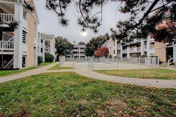 11540 Holiday Dr. 1-3 Beds Apartment for Rent Photo Gallery 1