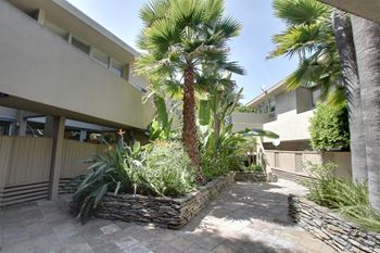850 Moraga Dr 1-2 Beds Apartment for Rent Photo Gallery 1