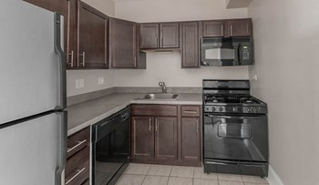 4157 N Clarendon Ave Studio-1 Bed Apartment for Rent Photo Gallery 1