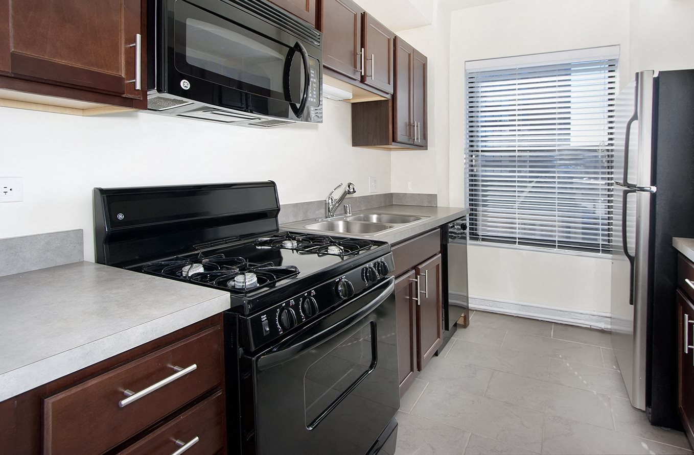 river tour chicago cheap studio park apartment you bedroom ideas apartments hubbard place decorating in il a offer north model at