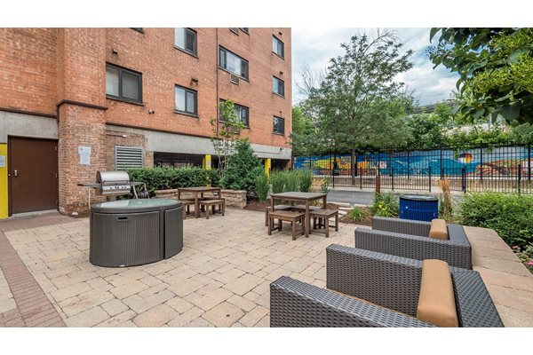 Outdoor Entertainment Areas at Reside on Morse, Chicago, IL,60626