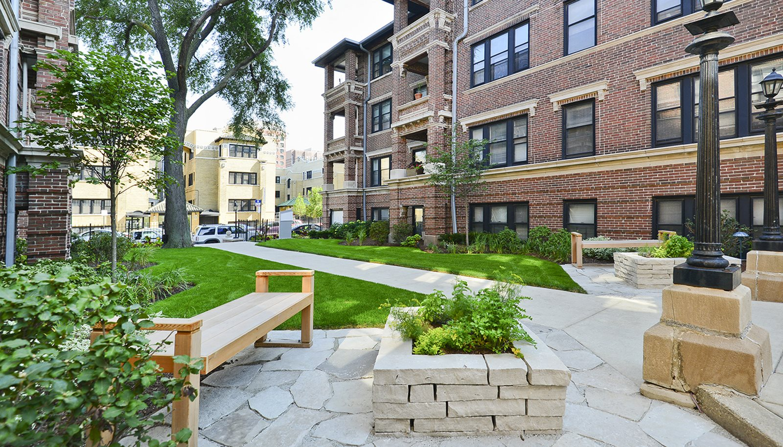 Reside On Irving Park Apartments In Chicago Il