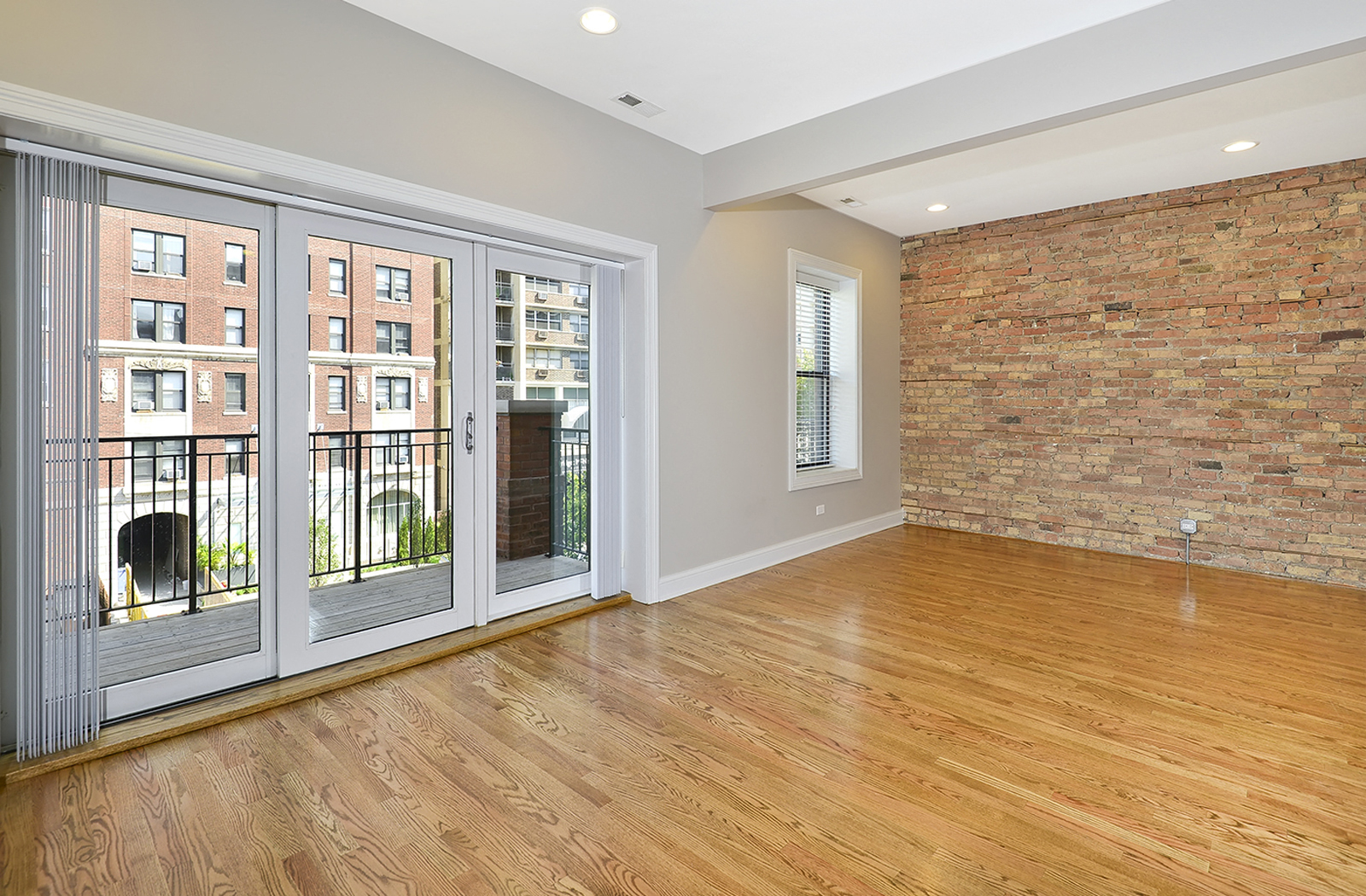 Hard Wood Floors At The Belmont By Reside Flats, Chicago, IL, 60657