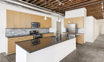 945 W Fulton Market 2-3 Beds Apartment for Rent Photo Gallery 1
