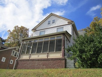 6220 Everall Ave 3 Beds House for Rent Photo Gallery 1