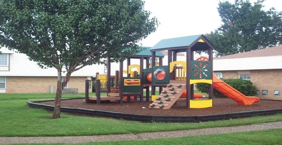 Arbor Place Apartments Playground Terrytown, LA