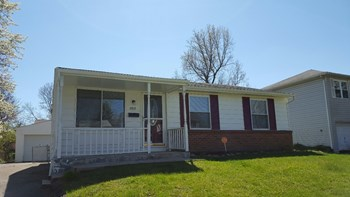 2819 Sunset View Ct 3 Beds House for Rent Photo Gallery 1
