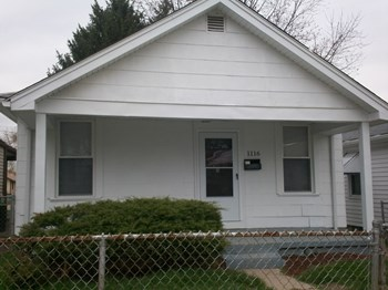 1116 Azel Ave 2 Beds House for Rent Photo Gallery 1