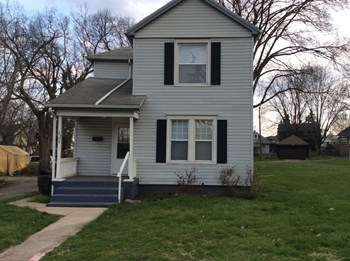 2307 Grand Ave 3 Beds House for Rent Photo Gallery 1