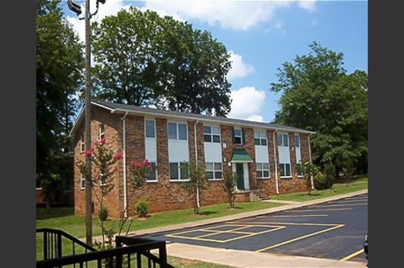 Creekwood Village Apartments, 1750 40th Ave., Tuscaloosa, AL - RENTCafé