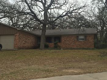 112 Meadowbrook 3 Beds House for Rent Photo Gallery 1