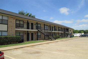 418 Demoye 1-2 Beds Apartment for Rent Photo Gallery 1
