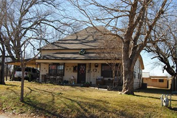 712 Caddell 3 Beds House for Rent Photo Gallery 1