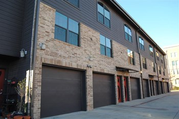 1119 Hickory St. 1-2 Beds Apartment for Rent Photo Gallery 1