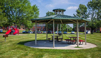 Apartments in Kettering with picnic area