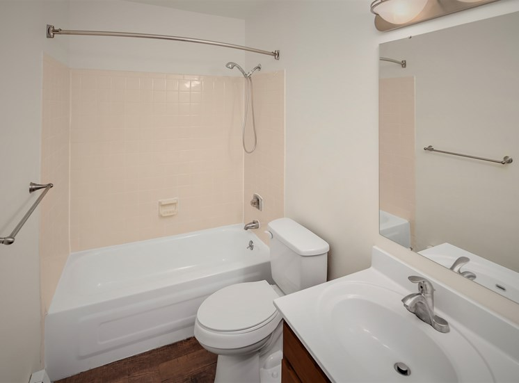 Delux Unit Bathroom