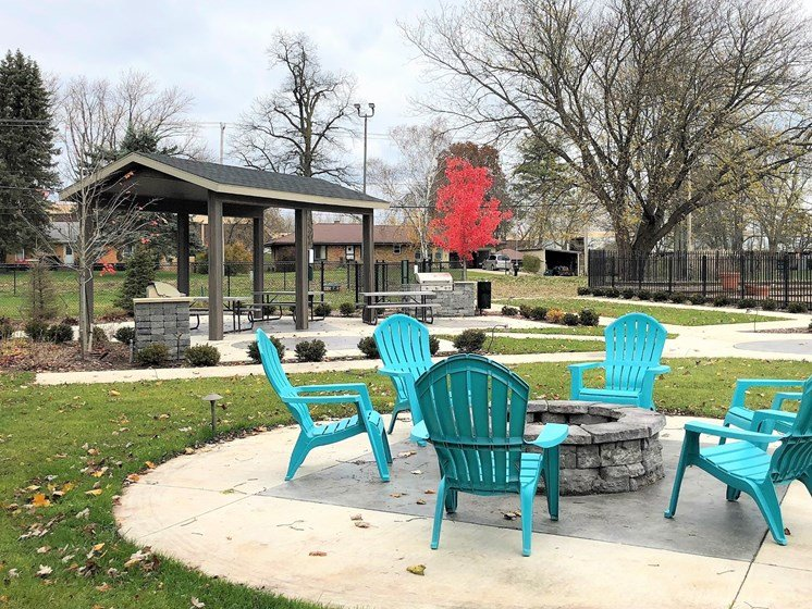 Outdoor Fire Pit Community Amenity Forest Pointe Apartments
