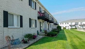 33105 Warren Road, Apt 118 1-2 Beds Apartment for Rent Photo Gallery 1